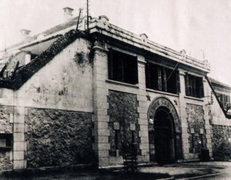 nhà-tù-hỏa-lò