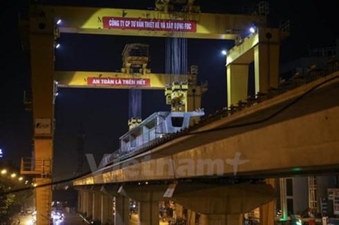 Ông Đinh La Thăng cho rằng, lời hứa duy nhất, như một món nợ ông chưa thực hiện được với người dân là tuyến đường sắt tốc độ cao Bắc-Nam. 6