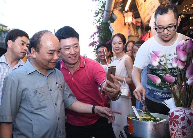 Thủ tướng nhận trách nhiệm vụ đoàn xe qua phố cổ Hội An