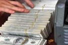 Nhân viên ngành ngân hàng thế giới đồng loạt bị cắt thưởng