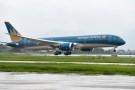 Chiếu tia laser vào máy bay: Công an Hà Nội vào cuộc điều tra