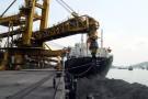 Ấn Độ khóc ròng vì dư sản lượng than