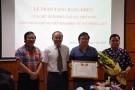 Chủ tịch Hội Luật gia VN tặng bằng khen các 'nhà báo anh hùng'
