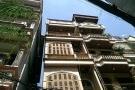 Di dời dân khỏi 3 căn nhà nghiêng tại Q.Đống Đa, Hà Nội