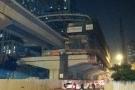 Một công nhân rơi từ đường sắt trên cao Cát Linh - Hà Đông xuống đường