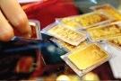 Giá vàng hôm nay (27/10): Giảm mạnh nhưng vẫn cao hơn thế giới 1,6 triệu đồng/ lượng