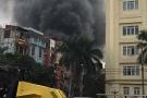 Cháy lớn 3 ngôi nhà ở Trần Khát Chân