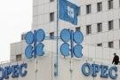 Giá dầu tăng vọt sau thỏa thuận của các nước ngoài OPEC