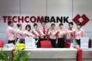"""Techcombank công bố thưởng Tết """"khủng"""" 7 tháng lương"""