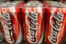 Coca-Cola cầu cứu khi phát hiện ra chất thải trong lô nước ngọt