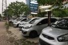 Dân buôn xe cũ 'toát mồ hôi' trong cuộc chiến giảm giá xe mới