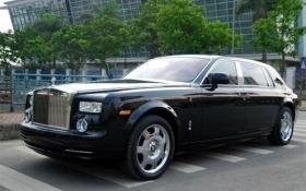 Đại gia hút điếu cày, đi Rolls-Royce, xây 21 khách sạn có bao nhiêu tiền?