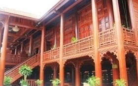Đại gia xây nhà sàn gỗ lim hơn 200 tỷ ở Điện Biên là ai?
