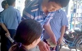 """Nhân viên ga Long Khánh """"ăn chặn"""" tiền đặt vé tàu"""