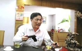 Bầu Đệ, doanh nhân xứ Thanh được cấp súng