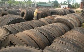 Bắt giam nữ kế toán buôn lậu hơn 4.700 tấn lốp ôtô cũ