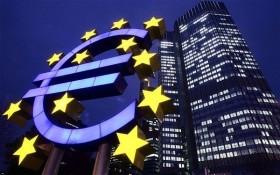 Không tăng lãi suất, FED đặt áp lực lên ECB