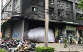 Cảnh sát dùng rìu phá cửa cứu người ở khu căn hộ của đại gia Lê Thanh Thản