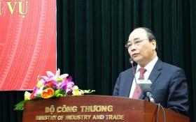 Phó Thủ tướng Nguyễn Xuân Phúc: Có quản lý thị trường 'bảo kê' cho hàng giả!