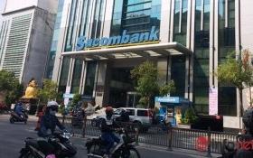 """Bỗng dưng bị Sacombank báo nợ, đẩy vào 'danh sách đen"""" cấm xuất cảnh"""