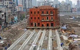 Tòa nhà cổ được chuyển dời 90 mét ở Trung Quốc