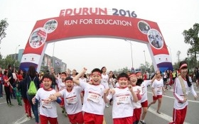"""Edurun 2016 – 10.000 người chung tay làm nên """"điều kỳ diệu"""" cho trẻ em nghèo"""