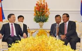 Bộ trưởng Tô Lâm chào xã giao Thủ tướng Chính phủ Hoàng gia Campuchia