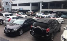 Nhà giàu 'khóc thét' vì phải mua chỗ đỗ ô tô giá 1 tỷ