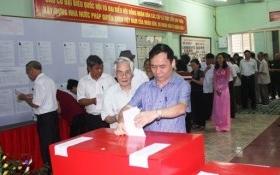 Bố Chủ tịch xã, con Bí thư đoàn cùng rớt HĐND tại 1 tổ bầu cử