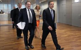 """Theo """"lối mòn"""" BOE, ECB giữ nguyên lãi suất"""