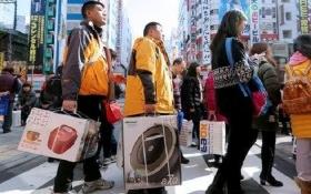 """Hàng Nhật """"đắt như tôm tươi"""" tại Trung Quốc"""