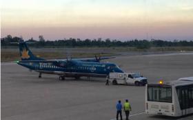 Máy bay ATR72 bị xe chở hàng đâm móp cửa ở Tân Sơn Nhất