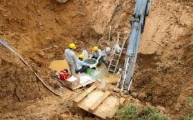 Hà Nội: Đường ống dẫn nước sạch Sông Đà vỡ lần thứ 19