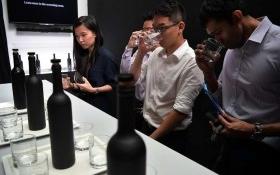 Có gì trong chai nước sạch đắt nhất châu Á 28 triệu đồng?