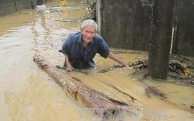 Công an Hà Nội tặng 4 tỷ đồng cho đồng bào bị lũ lụt