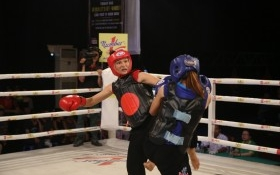 Nữ võ sĩ vùng Bảy Núi ra đòn tới tấp, hạ đối thủ chóng vánh