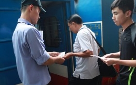 Thủ đoạn mới lừa đảo mua vé tàu hỏa giả dịp Tết