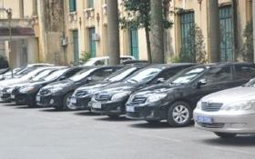 Tại sao khoán xe công cho lãnh đạo 16.000 đồng/km cao hơn giá taxi?