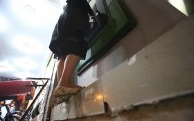 Bà bầu bám bục vỉa hè rút tiền ATM sau chiến dịch làm sạch đường phố