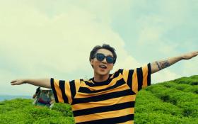 """Sơn Tùng khiến fan đứng ngồi không yên khi """"giải nhiệt ngày hè"""" bằng MV """"mát rượi"""""""