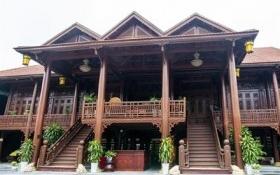 Cận cảnh ngôi nhà gỗ lim có giá 200 tỷ đồng của đại gia Điện Biên