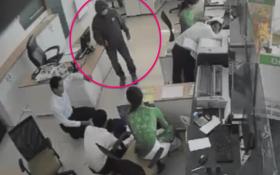 Cướp ngân hàng ở Trà Vinh: Hung thủ nhận nhiều cuộc gọi thúc nợ trước khi gây án