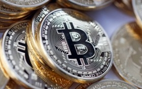 Giá Bitcoin vượt mốc 1.900 USD