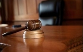 Có phải hoãn phiên tòa khi người làm chứng vắng mặt?