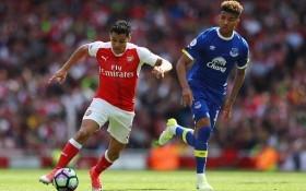 Arsenal trả lương kỷ lục để giữ chân Sanchez