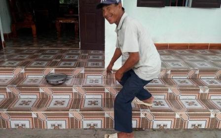 Nghệ An: Nền nhà bỗng nhiên nóng rát bất thường [Clip]