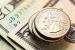Đồng USD tăng giá so với tiền tệ của các nước xuất khẩu dầu